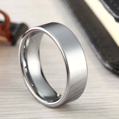 Shining and gleaming silver ring for men