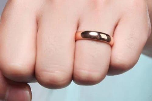 Men's Tungsten Carbide Ring in Rose Gold