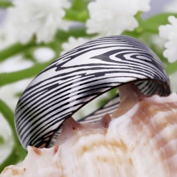 Men's Ring made with Tungsten Carbide - Damascus Steel Pattern